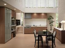 贅沢なくつろぎを満たす、上質な木質感のあるキッチン。